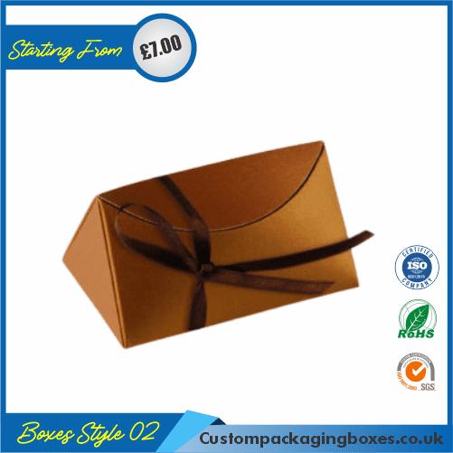 Pack of 100 Tiny Triangular Gift Box 02
