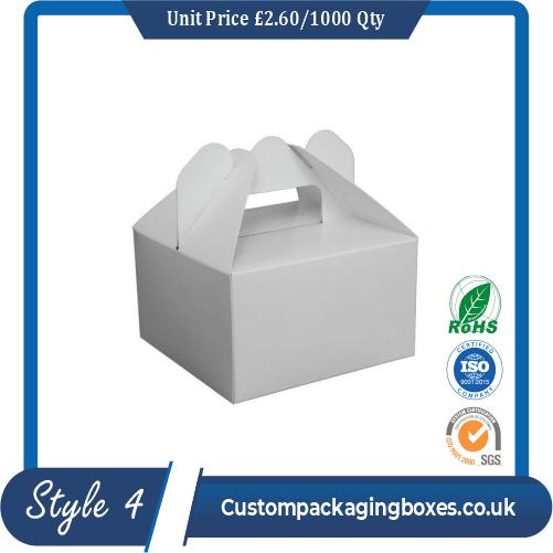 Cake box with handle