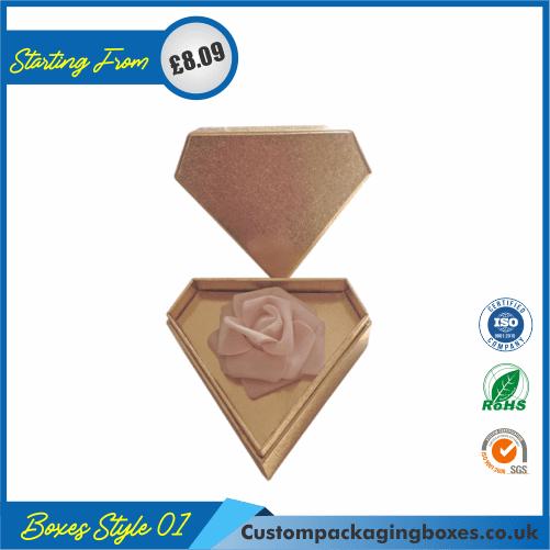 Diamond-Shaped Gift Box 01