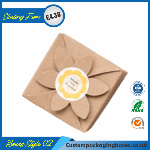 Gift Box With Flower Clasp 02