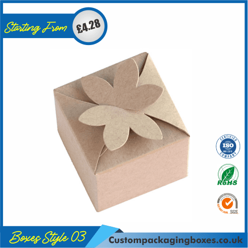 Gift Box With Flower Clasp 03