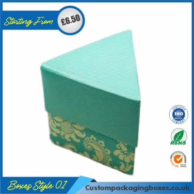 Simple Triangular Gift Box 01