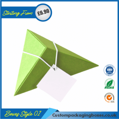Tiny Triangular Gift Box 01