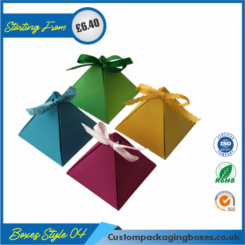 Tiny Triangular Gift Box 04